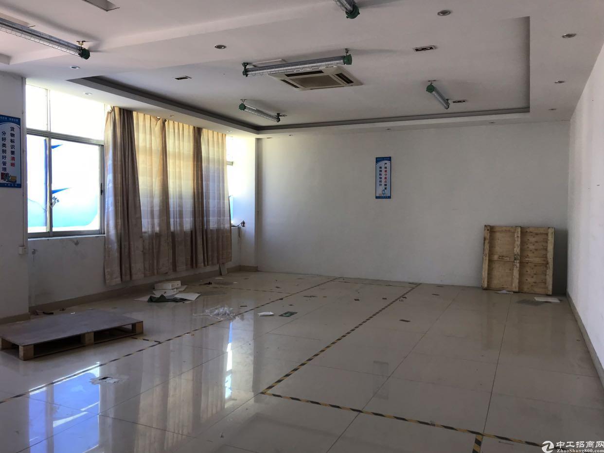 观澜福民龙观快速旁边楼上带装修1100平方实际面积厂房出租