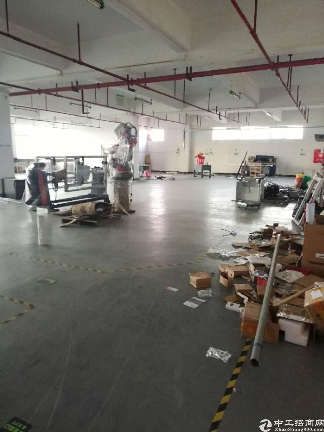 深圳坪山大工业区厂房出租10000平方米有红本,可分租
