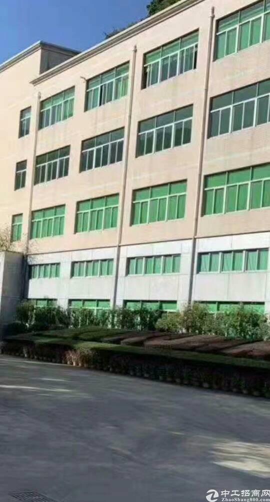 出售宝安西乡簕竹角红本独门独院厂房。适合自用投资