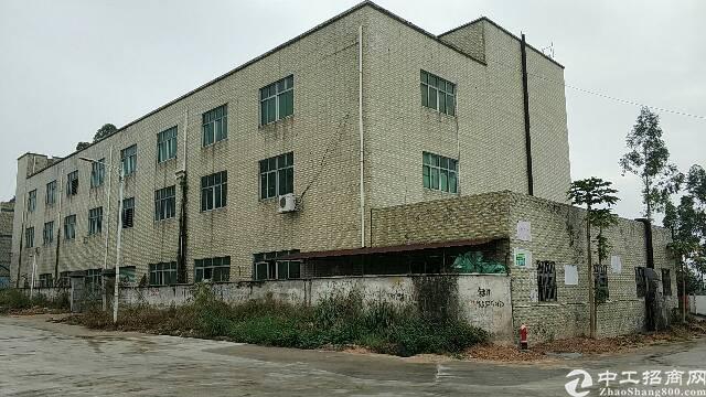 出售龙岗坪地历史遗留独门独院厂房。适合自用投资