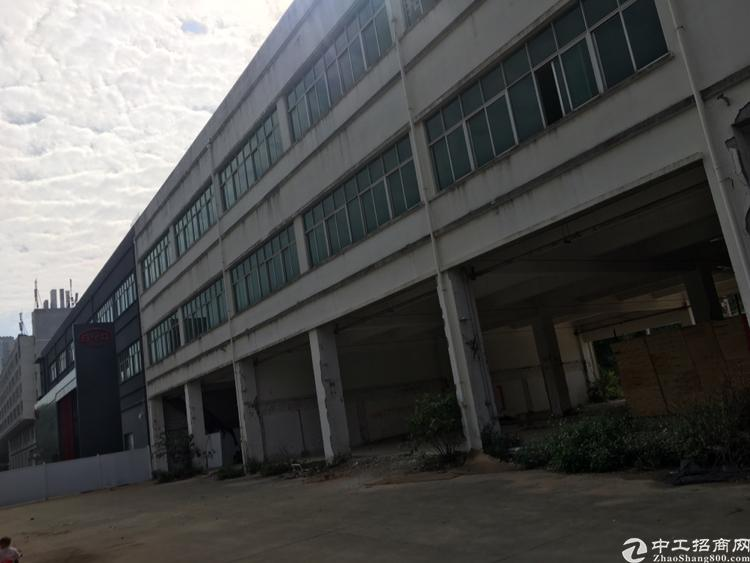 深圳龙岗区平湖街道新出独栋可做4S店4000平招租