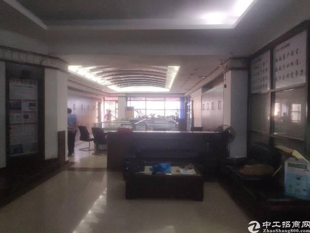 客户转租精装修办公室300平方