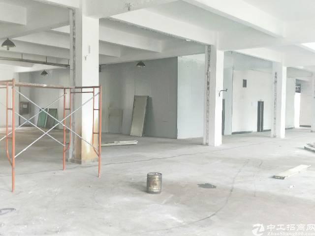 位于光明新区公明塘明出口500米2楼1500平可分租800
