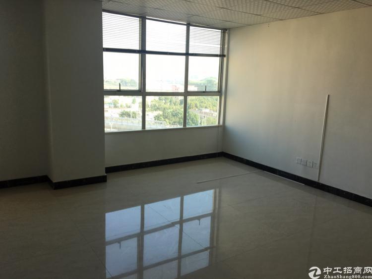 福永桥头精装修写字楼110平方,带空调隔间
