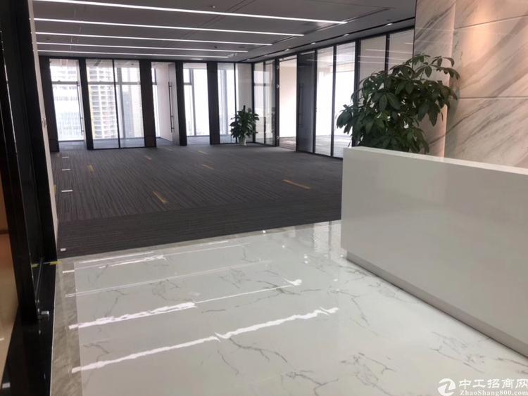 龙华地铁口原房东精装修办公室600平直接出租