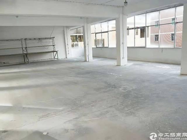 凤岗镇雁田新出标准厂房3楼300平