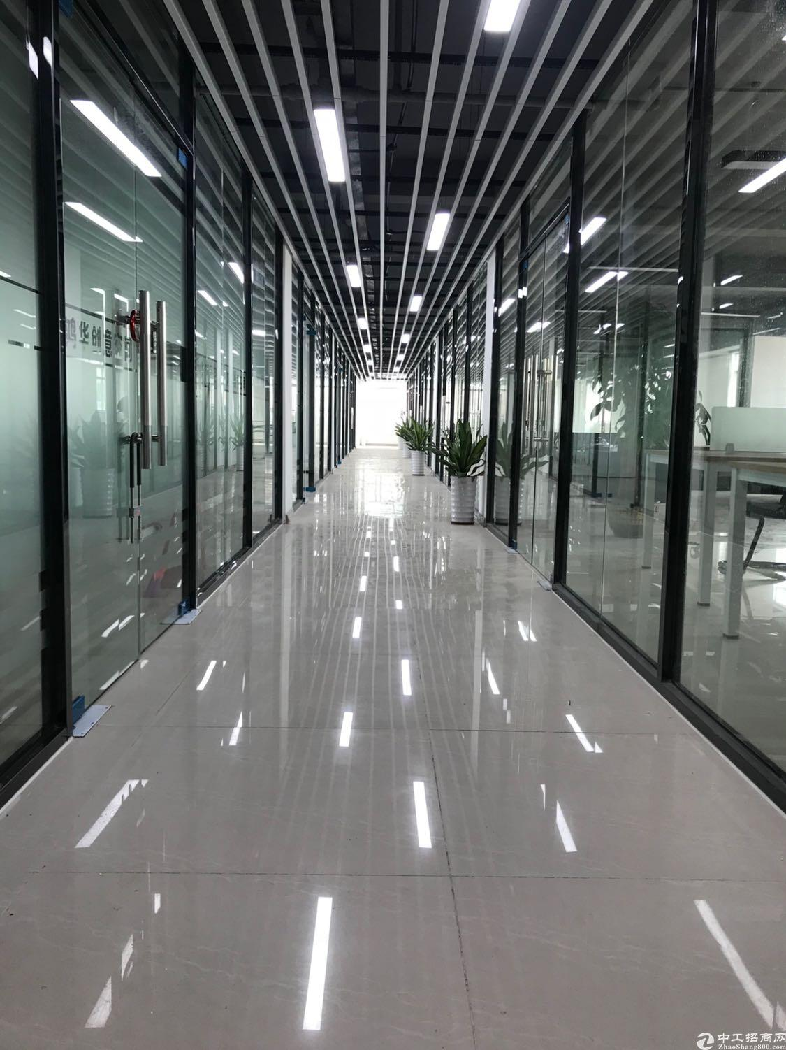 地铁站附近5楼办公室55平110平出租
