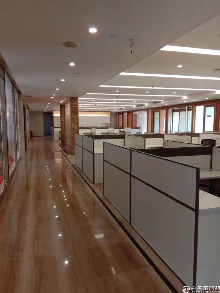 龙华地铁口豪华装修办公室680平招租