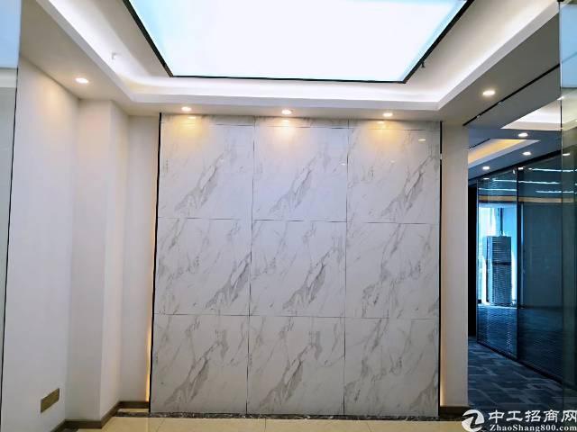 龙华地铁口豪华写字楼216平出租