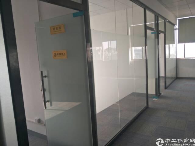 光明新区上村大型园区新出楼上2260平方带无尘室的厂房出租