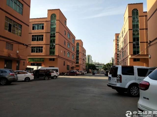 平南工业区独栋厂房1-4层6100平米出租