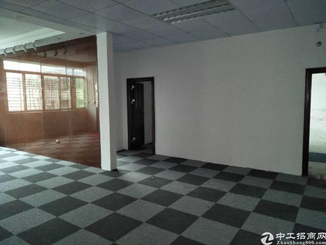 横岗地铁站旁500米带精装修办公室厂房700平出租报价23块