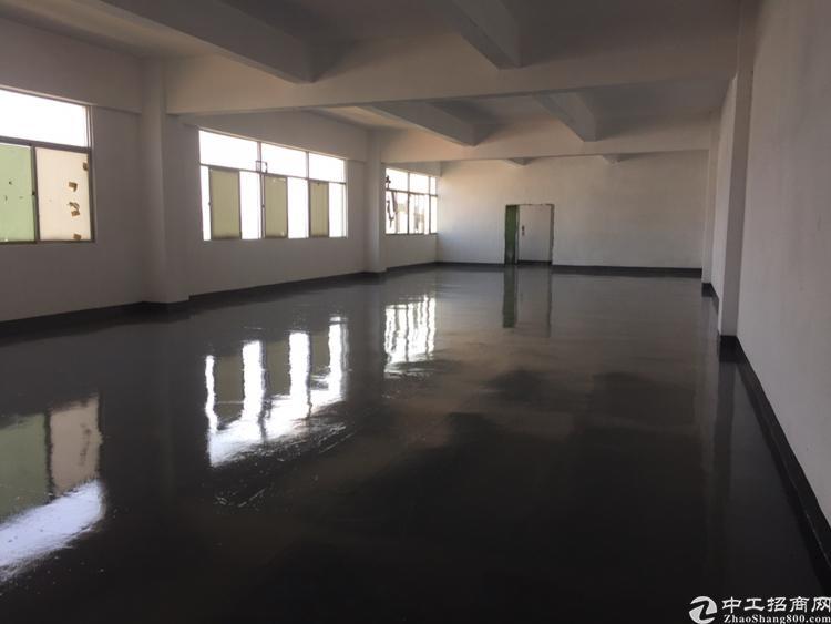 松岗燕川靠近居民区带精装修厂房750平米低价出租