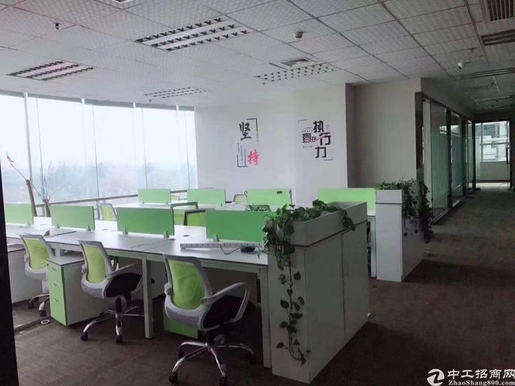 龙华龙胜地铁口精装修办公室390平招租