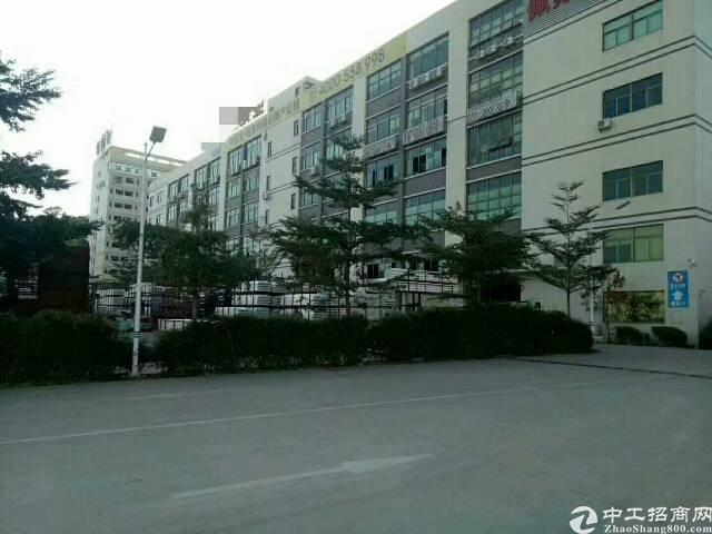 平湖原房东厂房一楼一层分租1200平米急租