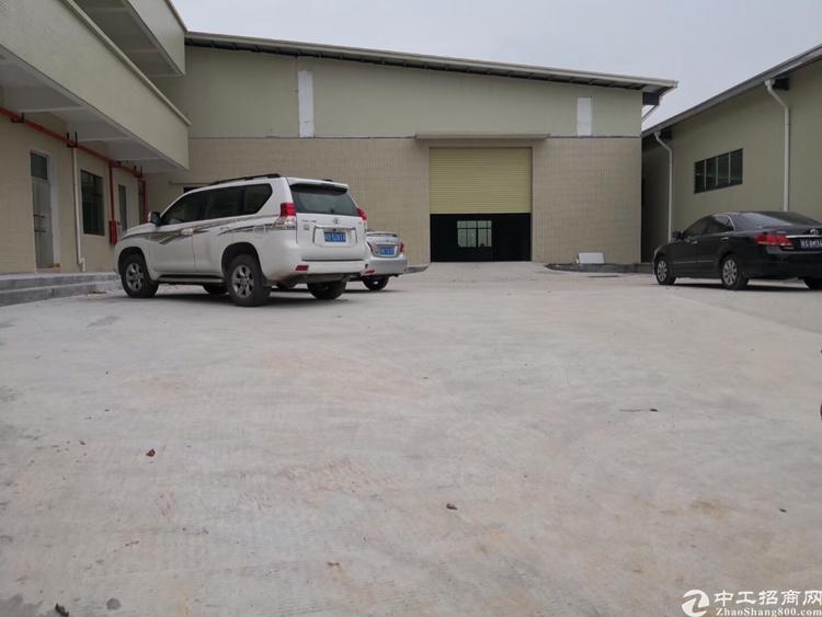 东莞市茶山镇全新单一层钢构火爆招租8200平