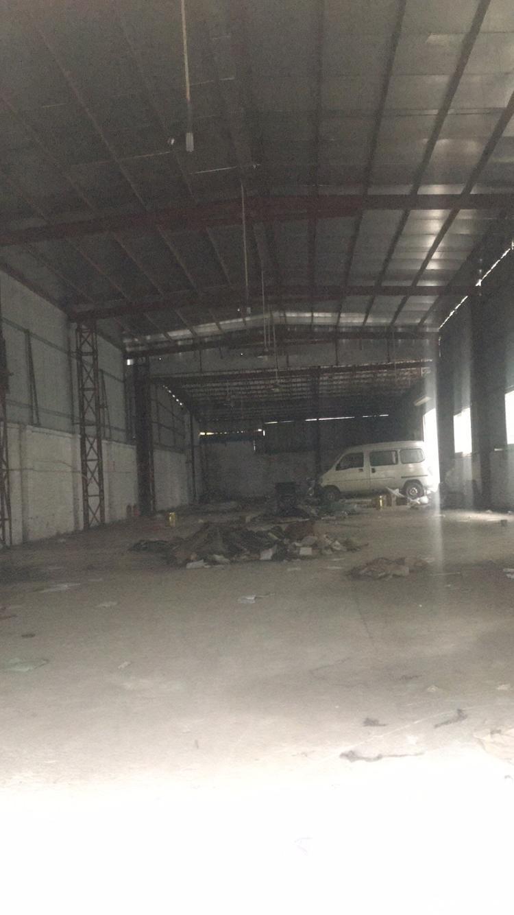 单一层高十米重工业厂房