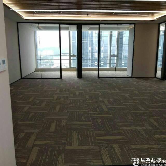 平湖精装写字楼6800平米出租100平米起
