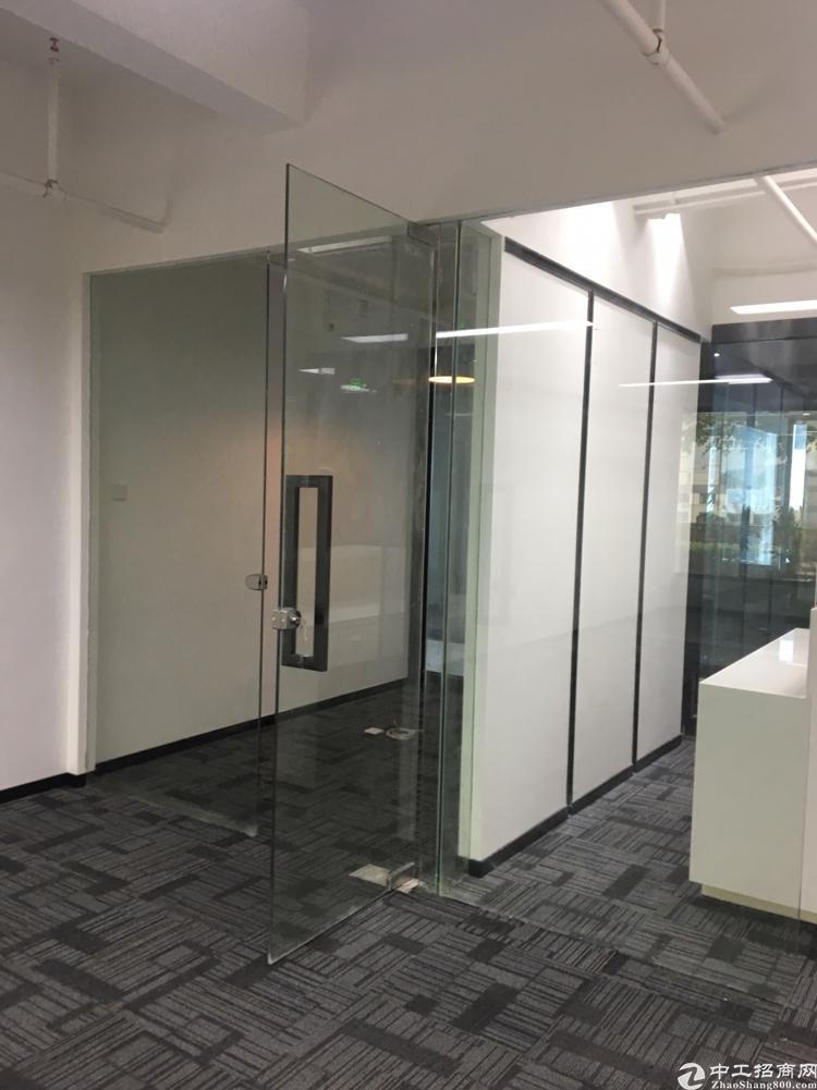 福永凤凰精装办公室,130平方高冷层采光好
