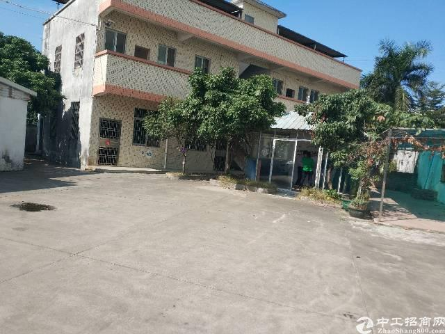 原房东独院单一层厂房1500㎡,宿舍办公500㎡,水电到位。
