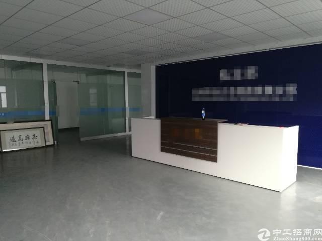 松岗江边松福大道边二楼1800平现成装修厂房,租金20!