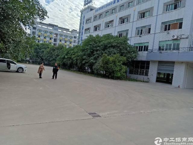 平湖华南城附近新出原房东独院厂房8600平方招租(带红本)