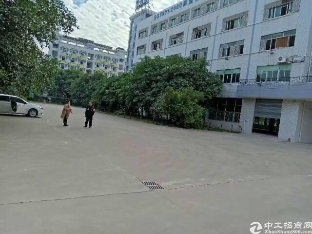 平湖富民工业区楼上带装修800平方米厂房招租