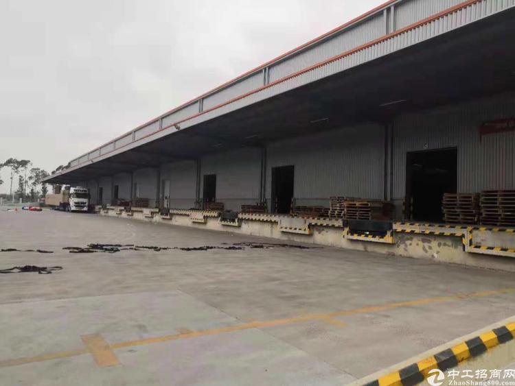 横岗钢构厂房2380平有装卸货平台仅23块