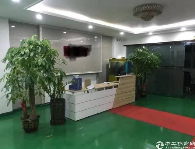 龙岗爱联嶂背新出村委厂房,整层1300平,9成实用率,无需转