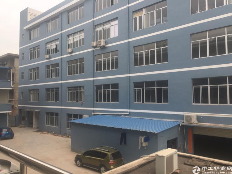 坪山中心区二楼580平米标准厂房出租15元一平