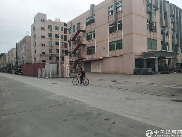 平湖辅城坳工业区一楼800平方米