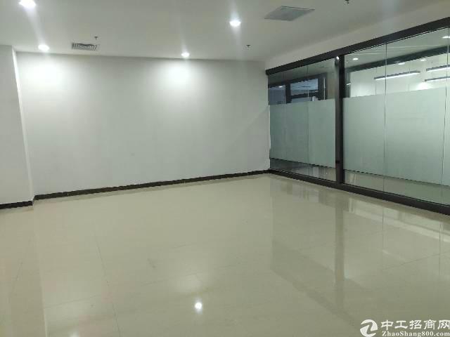 福永桥头地铁口精装办公楼特价出租