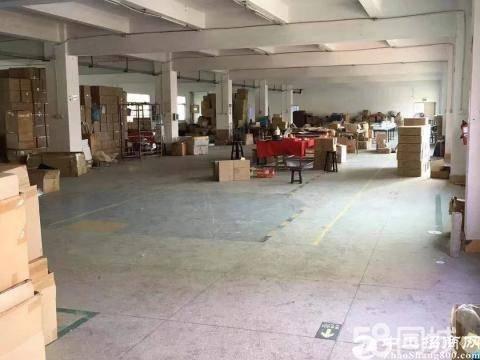 坪山坑梓新出2200平红本厂房出租两部3吨货梯