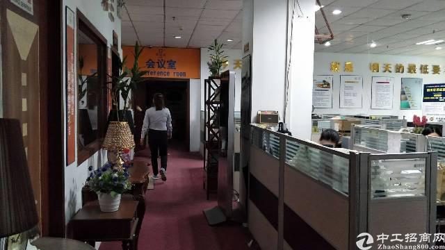 龙岗平湖富民工业区原房东二楼厂房2200平方厂房出租