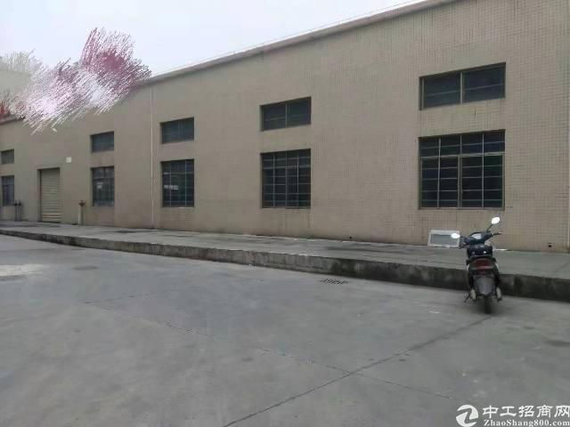 惠州市城区单一层砖墙到顶钢构厂房出租。