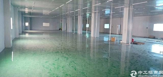 平湖辅城坳新出独院厂房3300平方招租