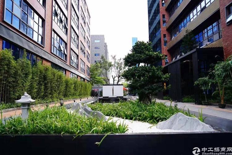 龙华民治地铁口全新装修花园式办公室1600平招租