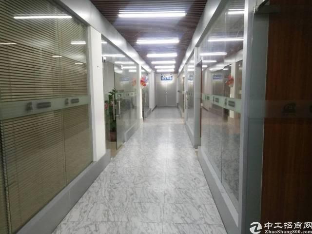 松岗大田洋新桥高速出口附近新出楼上一整层2500平出租。