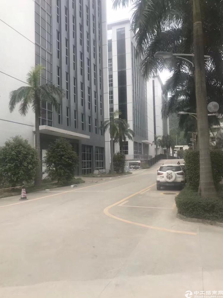 横岗原房东精装修楼上2250平米厂房出租
