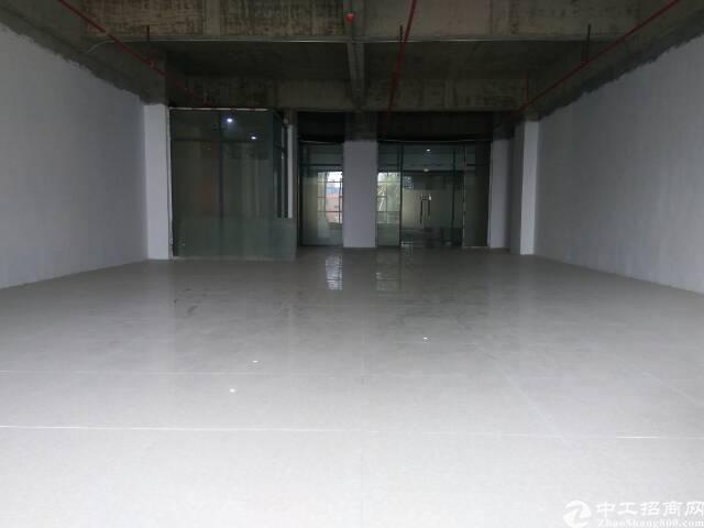 厚街大润发附近精品写字楼1340m²可分租俩部电梯