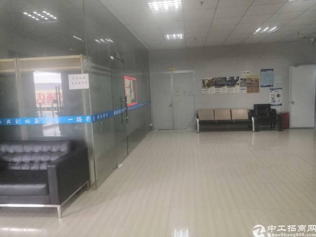福永和平工贸大厦1500平米带装修厂房出租
