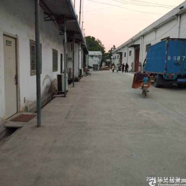 一楼钢结构厂房1400平方出租,客户转租,交通方便