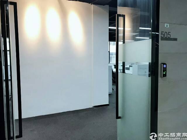 福永桥头地铁口高使用率精装写字楼200平