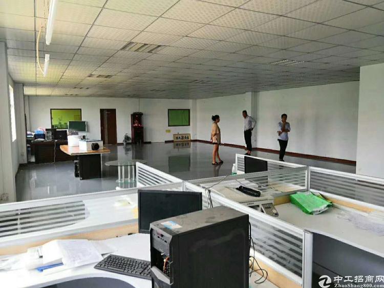 坪山三楼新空出500平米厂房带装修办公室