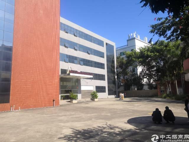 观澜清平高速口新出红本独门独院4400平厂房出租