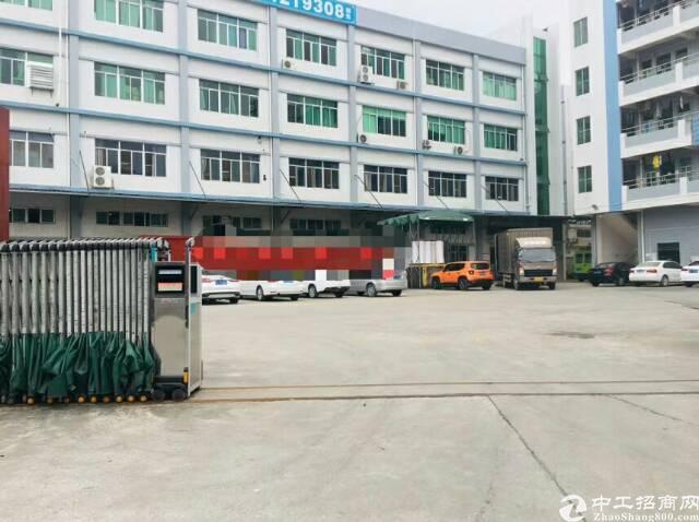 平湖山厦工业区楼上600平方米带装修厂房招租