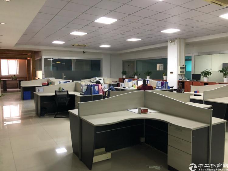 福永新出楼上整层2150平米带装修厂房出租