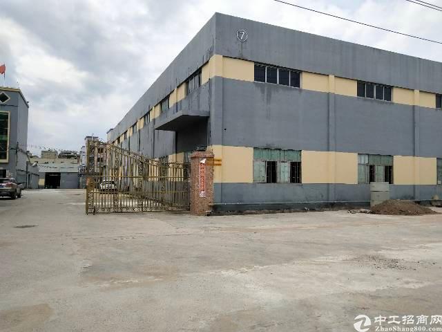 中山市火炬开发区13000平方钢构厂房出售