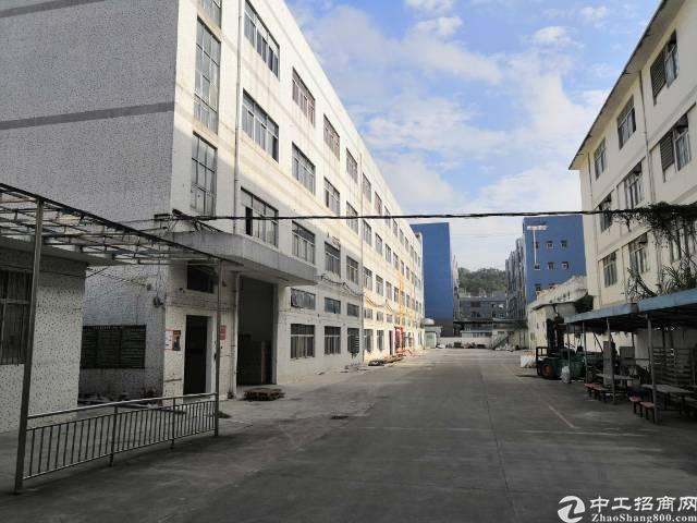 横岗镇228工业区二楼4000平方带喷淋有红本厂房出租