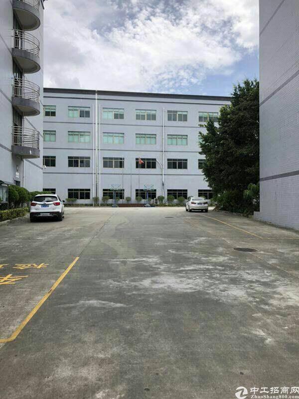 龙岗龙东新出原房东900平标准厂房带装修